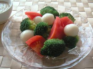 チーズ白玉の3色サラダ